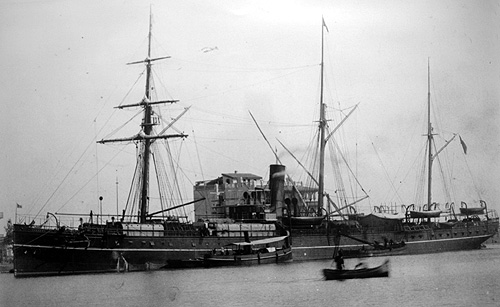 The <em>SS Bokhara</em> at port